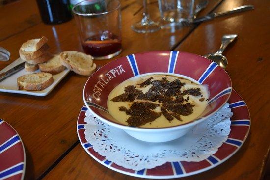 Ahetze, France: Eggs with truffle