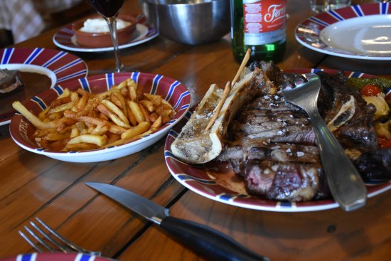 Ahetze, Frankrig: Steak, frites, and bone marrow