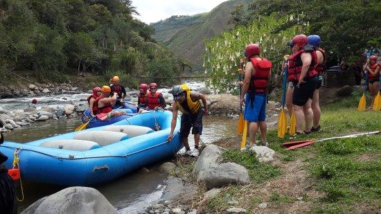 Hostal El Arbolito: Valle de Intag a 1 hora y 20 minutos de Cotacachi.Naturaleza y deporte de aventura