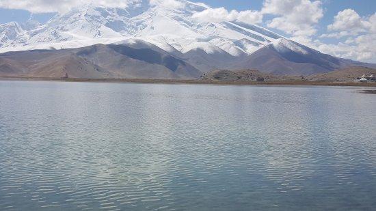 Kashi, China: Lake karakul