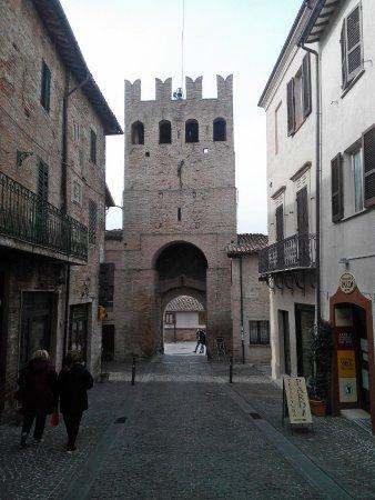 Монтефалько, Италия: Porta S.Agostino (interno)