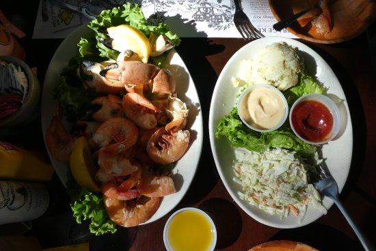 Pineland, FL: Stone Crab and Gulf Prawns