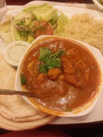 Hendersonville, TN: Yakhney Chicken Spicy w/ rice, salad, and pita