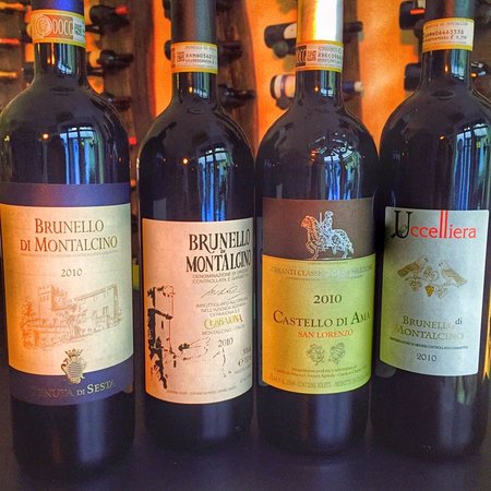 Arezzo, Italia: A choice from our Brunello selection