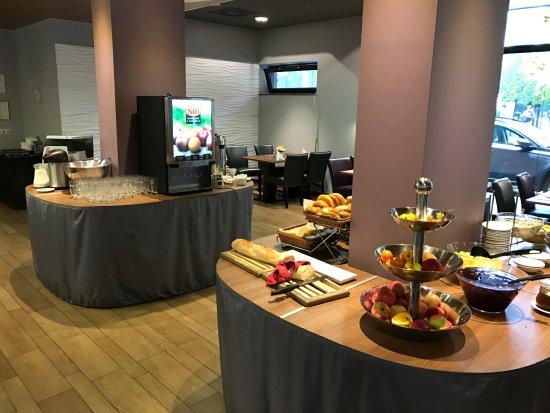 Hotel Regnum Residence: Breakfast buffet