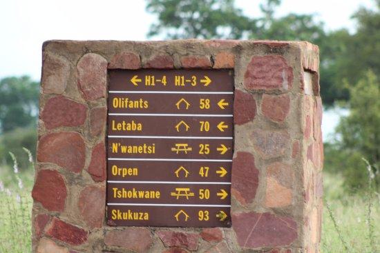 Olifants Rest Camp: Plenty signage to guide you
