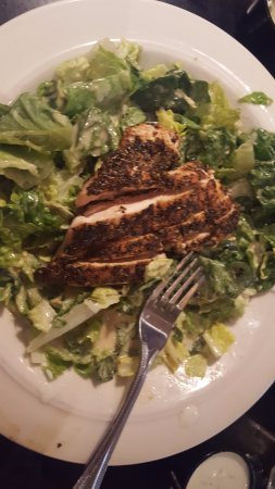 Charleston, Virginia Occidental: Tidewater's Caesar Salad with Blackened Chicken
