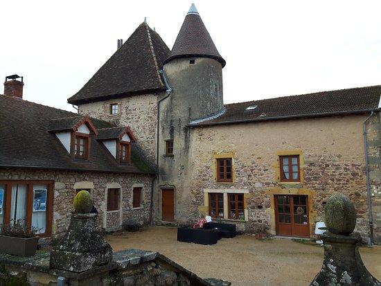 Saone-et-Loire, Francia: La Cour