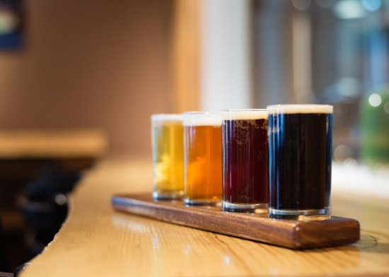 Columbia Falls, Монтана: Use a flight to sample four of our beers before you decide to have a full glass