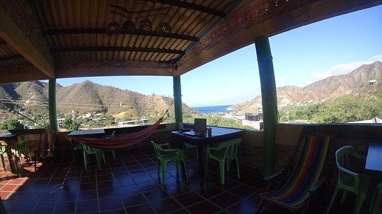 La Casa de Felipe Hostel: fabulosa terraza con vista al mar