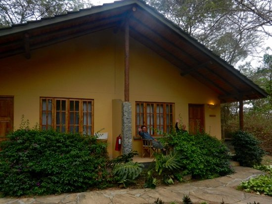 Arumeru River Lodge: Our duplex cottage. We had one side and the other couple had the other side.