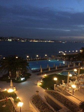 Ciragan Palace Kempinski Istanbul: Vista