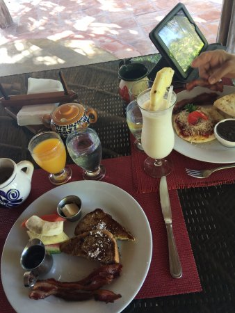 Matachica Resort & Spa: Breakfast- included with our package- full menu available, and it was delicious!