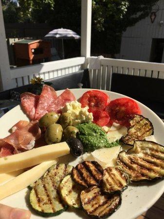 Seeheim-Jugenheim, Allemagne : Neben italienischem Mittagstisch gibts auch hausgemachten Suppen und mediterrane Speisen.