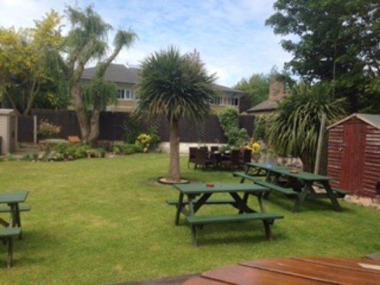 Dartford, UK: Garden in the summer months...
