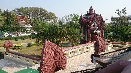 Prachuap Khiri Khan, Tailandia: ศาลหลักเมือง
