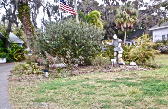 Safety Harbor Museum & Cultural Center: Yard