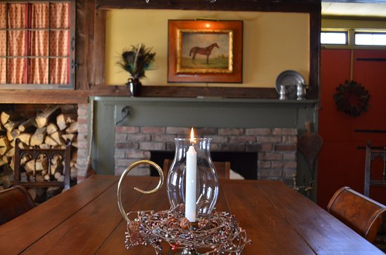 Olde Rhinebeck Inn: Where guests gather to share stories and savor breakfast