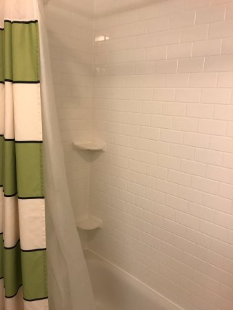 Fairfield Inn & Suites Rockford: Shower