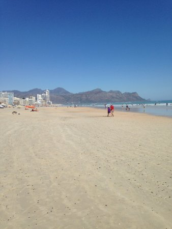 Strand, South Africa: Beach and shoreline