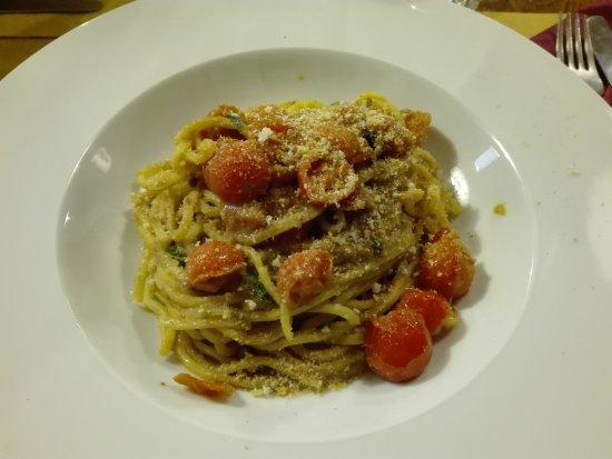 Pennabilli, Italië: Spaghetti alla chitarra con alici e pomodorini