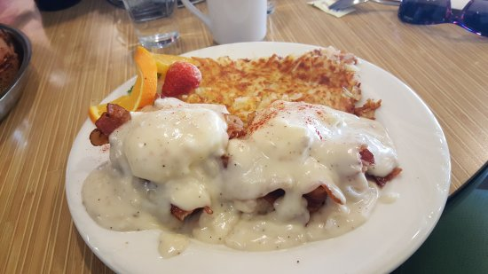 Sparks, NV : Biscuits n Gravy with Tons of Bacon n Hasbrowns