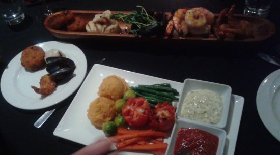 Strathroy, Kanada: Great seafood platter for two!