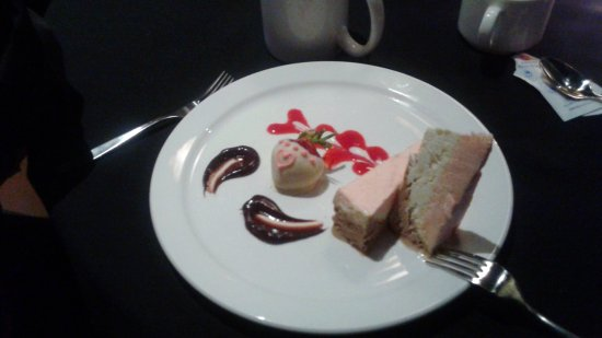 Strathroy, Kanada: White chocolate with strawberry and raspberry