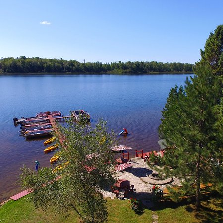 Trout Lake, MI: Cozy & comfy. Perfect family vacation, couple's getaway or solo trip. Be as busy or as relaxed a
