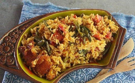 Lawai, ฮาวาย: Lubia Polo ~ Kauai-grown green beans, tomato, cayenne, cinnamon, turmeric, onion