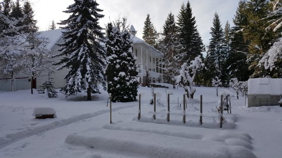Salmon Arm, Canada: The Inn at the Ninth hole in winter