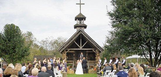 Ferguson, NC: Whippoorwill Chapel of Peace Wedding