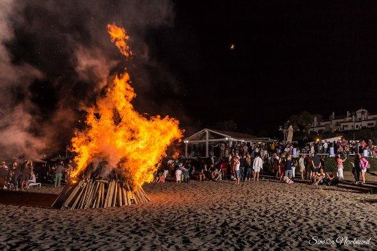 Alcaidesa, España: San Juan night party