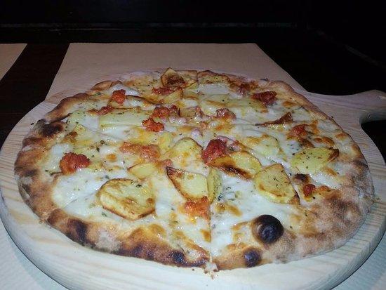 Filadelfia, Italia: Pizza stonehenge