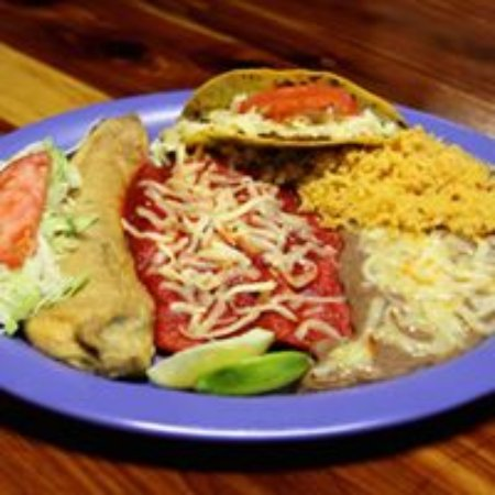 Clint, เท็กซัส: Our Famous Mexican Plate!!!!!