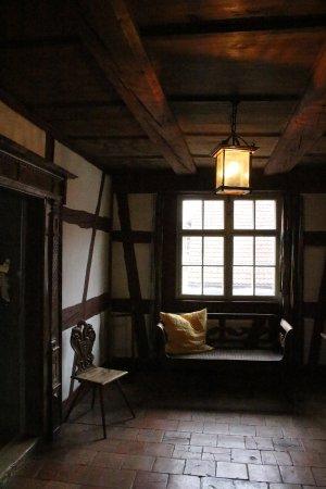 Gasthof zum Hirschen: 廊下の待合室