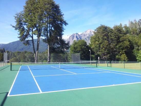 Llao Llao Hotel and Resort, Golf-Spa: Our tennis court, and a very special backdrop!