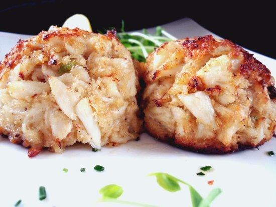 Chesapeake Inn Restaurant and Marina: Jumbo Lump Crab Cakes