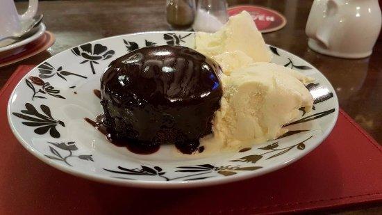 Corwen, UK: Chocolate sponge