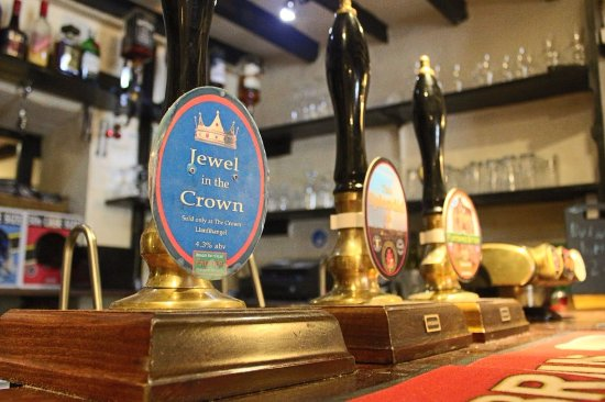 Corwen, UK: Exclusive ale to the Inn, Jewel in the Crown