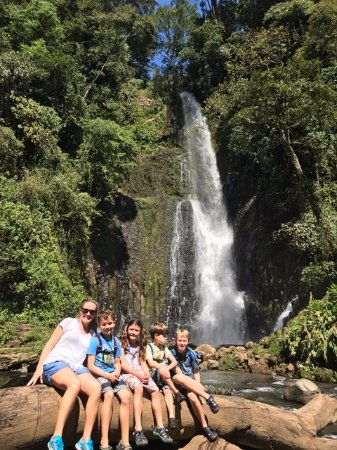 Grecia, Costa Rica: first waterfall at the base of the hike