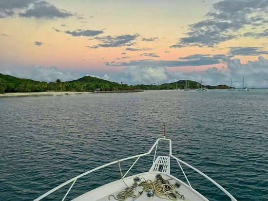 Petit St.Vincent: arriving to the island