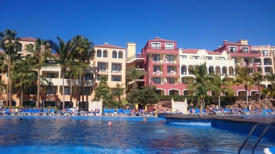 Sunlight Bahia Principe Costa Adeje: Massive swimming pools