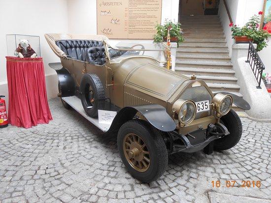 Artstetten, Österreich: een copie van het voertuig tijdens de aanslag