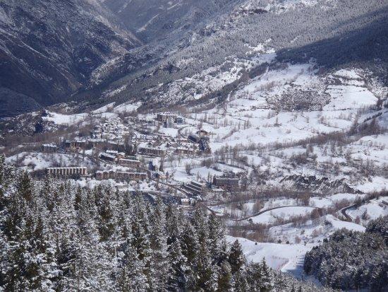 Cerler, Spain: Vista do quarto,vale de Benasque