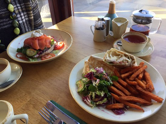 Hillsborough, UK: Smoked Salmon Open Sandwich and Chicken and Salsa Wrap with Sweet Potato Fries