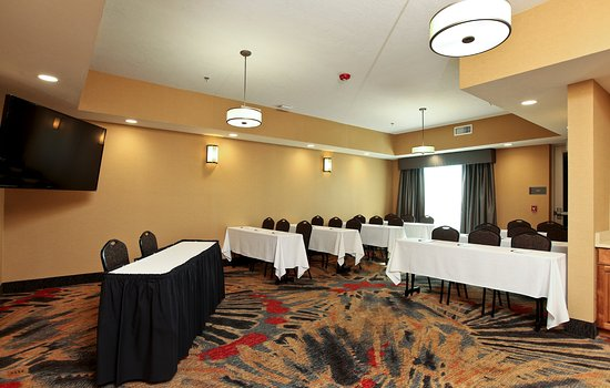 West Fargo, ND: Meeting Room