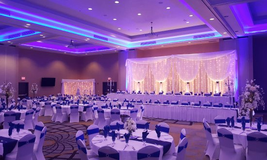 West Fargo, ND: Wedding in Grand Ballroom