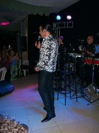 Alzira Plaza Hotel: Show Elymar Santos
