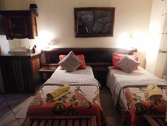 Zulani Guest House: Our beds